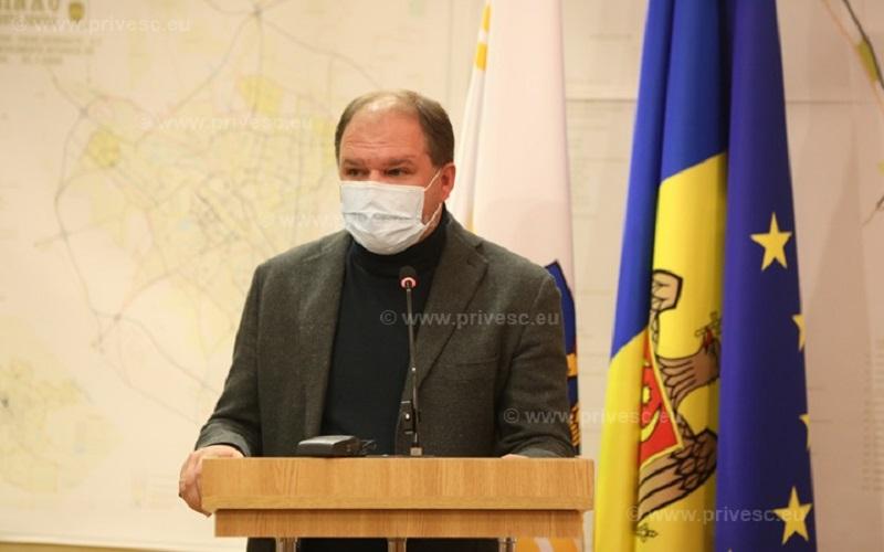 """Primarul Ion Ceban """"se sufocă"""". Edilul acuză Ministerul Sănătății că gestionează prost criza de sănătate publică"""